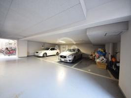 S-RESIDENCE学園坂の駐車場